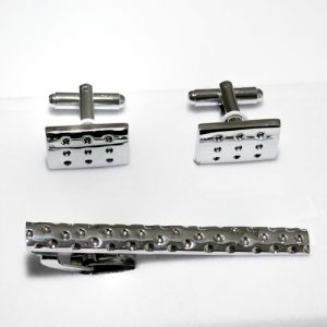 cufflink-set-with-dots-engraved
