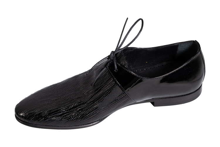 black-matrix-Shoe-main